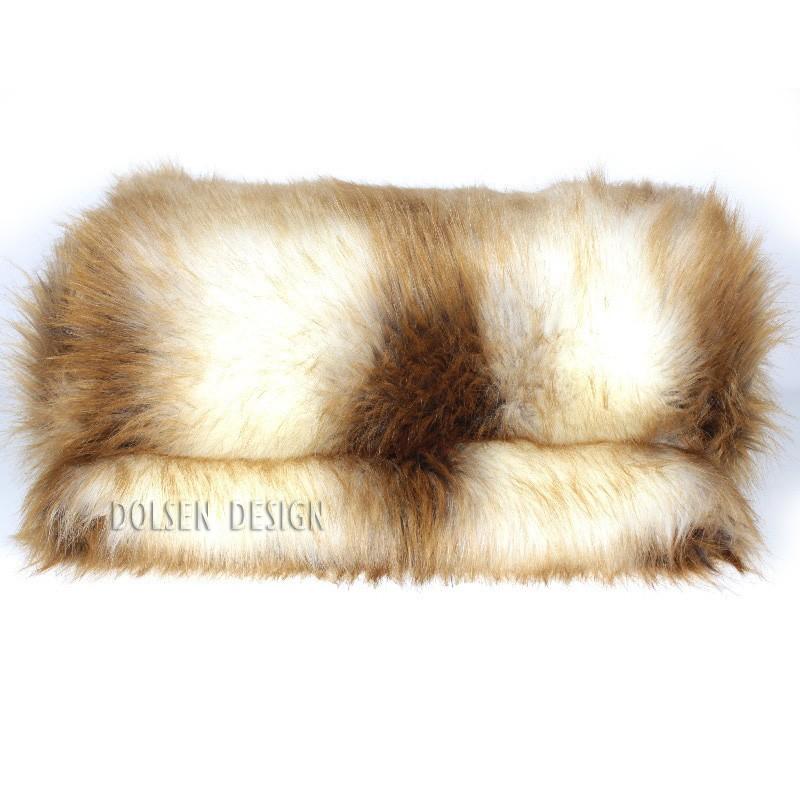 couverture en fausse fourrure jeune renard roux 140x180cm dolsen design. Black Bedroom Furniture Sets. Home Design Ideas